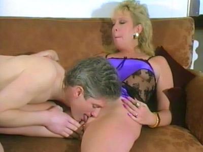 Sexe oral avec un vieux couple amateur